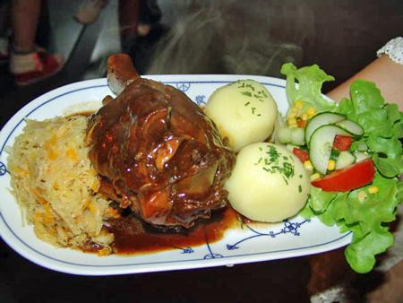 Kulinarische Impressionen im Restaurant der Parkschänke Zabeltitz